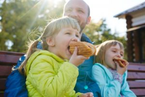 kids eating hotdog buns